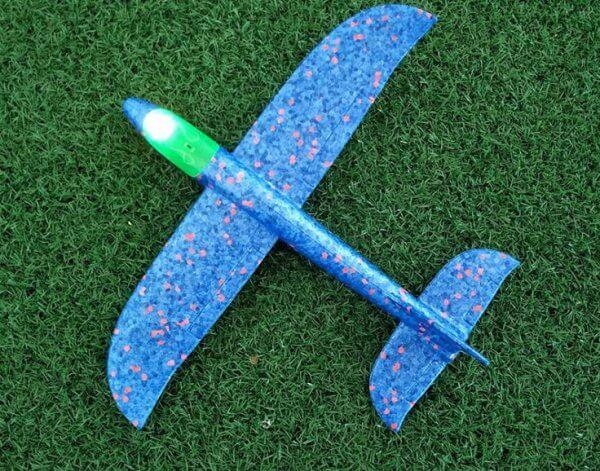 máy bay xốp cỡ nhỏ 35 xanh da trời có đèn